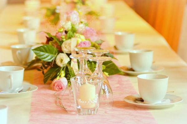 Blumendeko_Hochzeit1_klein.JPG